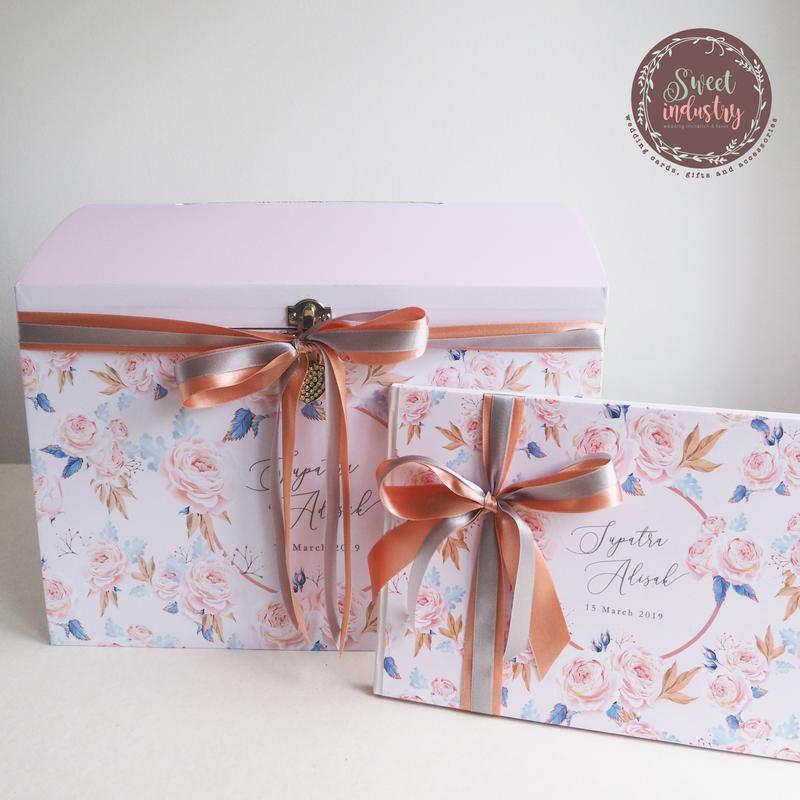 Set Promotion กล่องใส่ซอง+สมุดเซ็น ลายการ์ด ราคา 5,000 บาท