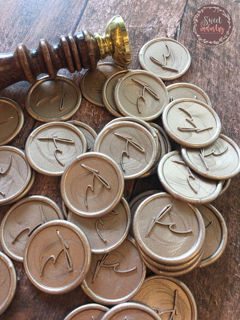 wax seal ราคา 11 บาท ไซส์ 2.7*2.7 cm.